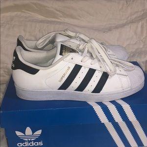 UNISEX SIZE 7 Adidas (kids)